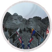 Mt. Rushmore In The Evening Round Beach Towel