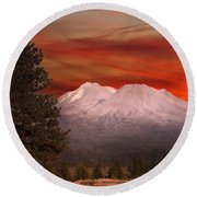 Mt Shasta Fire In The Sky Round Beach Towel