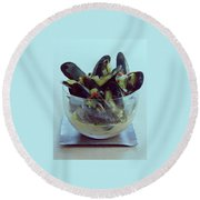 Mussels In Broth Round Beach Towel