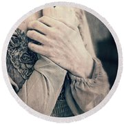 My Broken Heart - Victorian Romance Round Beach Towel
