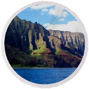 Na Pali Coast On Kauai Round Beach Towel