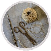 Needle And String Round Beach Towel