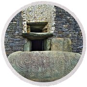 Newgrange Entrance Round Beach Towel