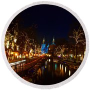 Nieuwe Spieglestraat At Night Round Beach Towel