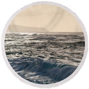North Shore Waves Round Beach Towel
