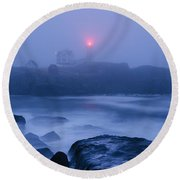 Nubble Light In Foggy Dawn Round Beach Towel