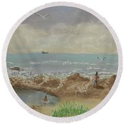 Nuns Pool Below Flagstaff Hill Round Beach Towel