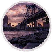 Nyc- Manhatten Bridge At Night Round Beach Towel