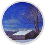 Old Barn In Winter Round Beach Towel