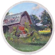 Old Barns  Round Beach Towel