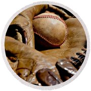 Old Baseball Ball And Gloves Round Beach Towel