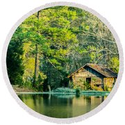 Old Cabin By The Pond Round Beach Towel