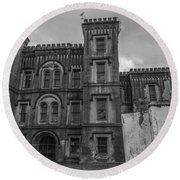 Old City Jail In Black And White Round Beach Towel