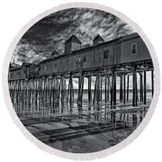 Old Orchard Beach Pier Bw Round Beach Towel