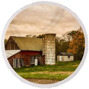 Old Red Barn And Silo Round Beach Towel