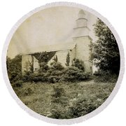 Old Stone Church In Rhinebeck Round Beach Towel