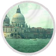 Round Beach Towel featuring the photograph Old Venice by Brian Reaves