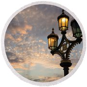 One Light Out - Westminster Bridge Streetlights - River Thames In London Uk Round Beach Towel