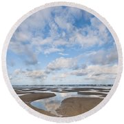 Pacific Ocean Beach At Low Tide Round Beach Towel