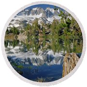 2m6443-v-palisade Peaks And Summit Lake V Round Beach Towel