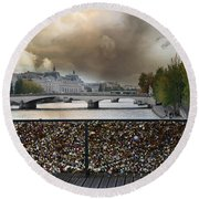 Paris Pont Des Art Bridge Locks Of Love Bridge - Romantic Locks Of Love Bridge View  Round Beach Towel