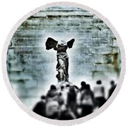 Pause - The Winged Victory In Louvre Paris Round Beach Towel by Marianna Mills