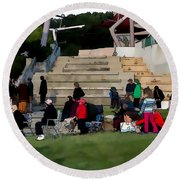 People In The Park Round Beach Towel