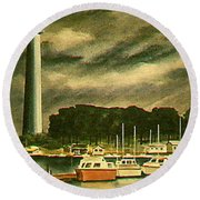 Perrys Monument On Put In Bay Round Beach Towel