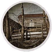 Country Barn Photograph Round Beach Towel