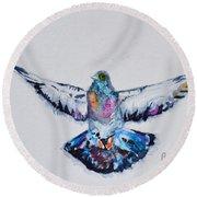 Pigeon In Flight Round Beach Towel