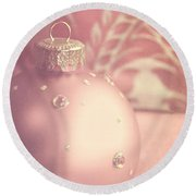 Pink And Gold Ornate Christmas Bauble Round Beach Towel