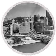 Pittsburgh Black And White Winter Panorama Round Beach Towel