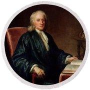 Portrait Of Isaac Newton Round Beach Towel