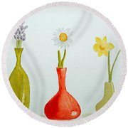 Pretty Flowers In A Row Round Beach Towel