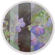 Purple Ivy Geranium Round Beach Towel