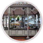 Raffles Hotel Courtyard Bar And Restaurant Singapore Round Beach Towel