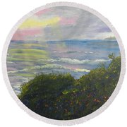 Rays Of Light At Burliegh Heads Round Beach Towel