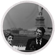 Reagan Speaking Before The Statue Of Liberty Round Beach Towel