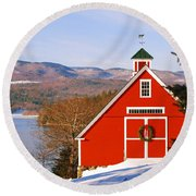Red Barn On Newfound Lake Round Beach Towel