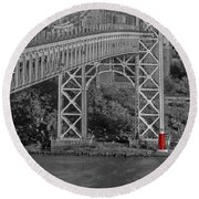 Red Lighthouse And Great Gray Bridge Bw Round Beach Towel