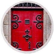 Red Medieval Door Round Beach Towel