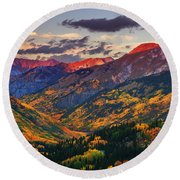 Red Mountain Pass Sunset Round Beach Towel