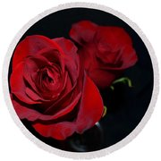Red Roses For A Blue Lady Round Beach Towel