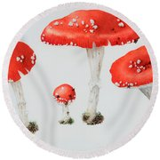 Red Toadstools Fly Agaric  Round Beach Towel