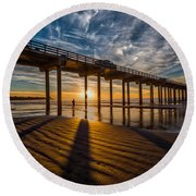Reflection And Shadow Round Beach Towel