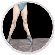 Reflection En Pointe Round Beach Towel