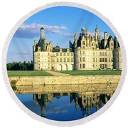 Reflection Of A Castle On Water Round Beach Towel