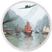 Refugees On The Yangtze Round Beach Towel