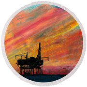 Rig At Sunset Round Beach Towel