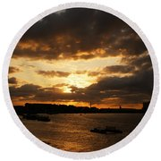 River Thames From Greenwich Round Beach Towel